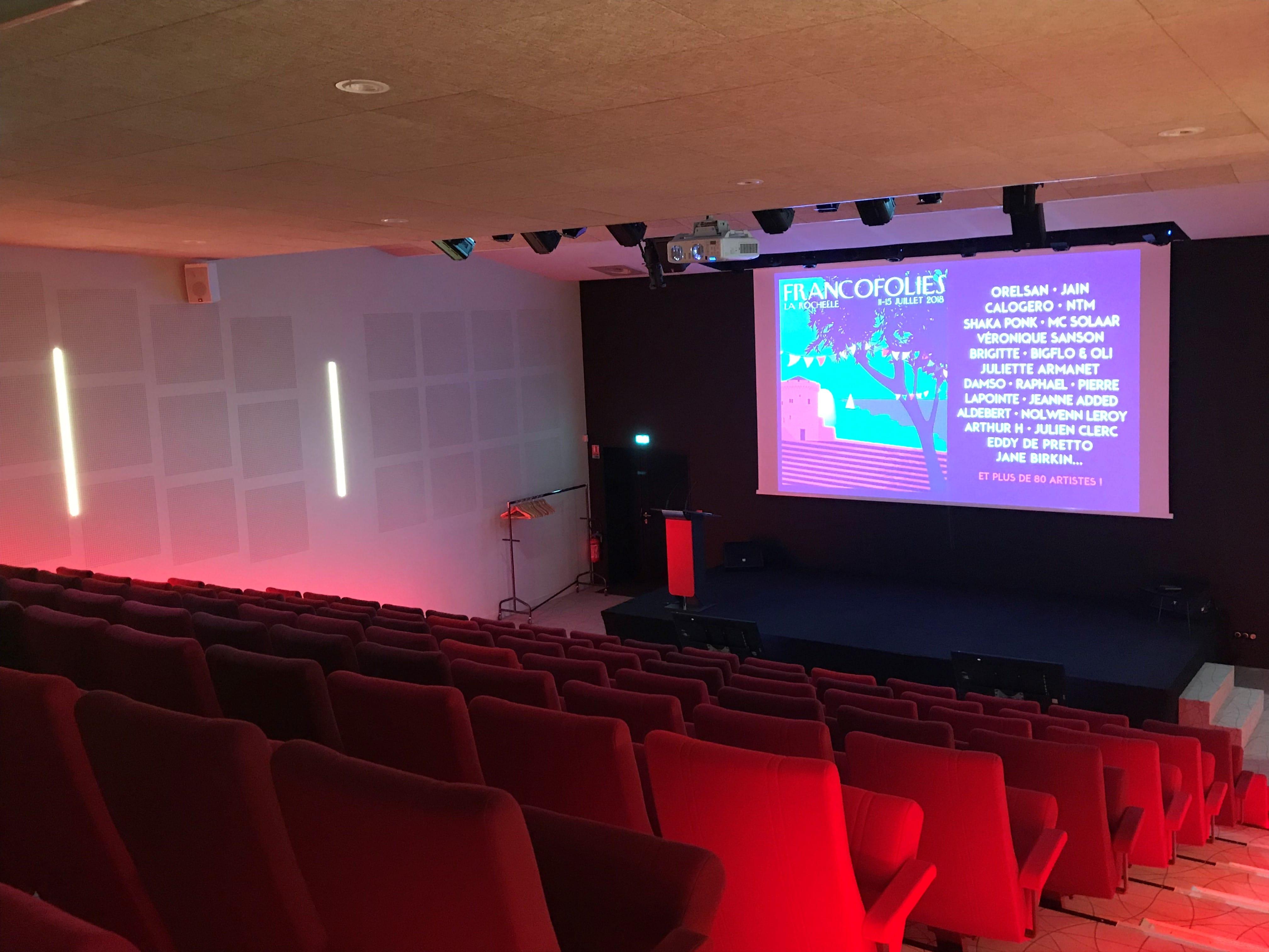 pour votre conférence à La Rochelle l'amphithéâtre du BiO'Pôle de Léa